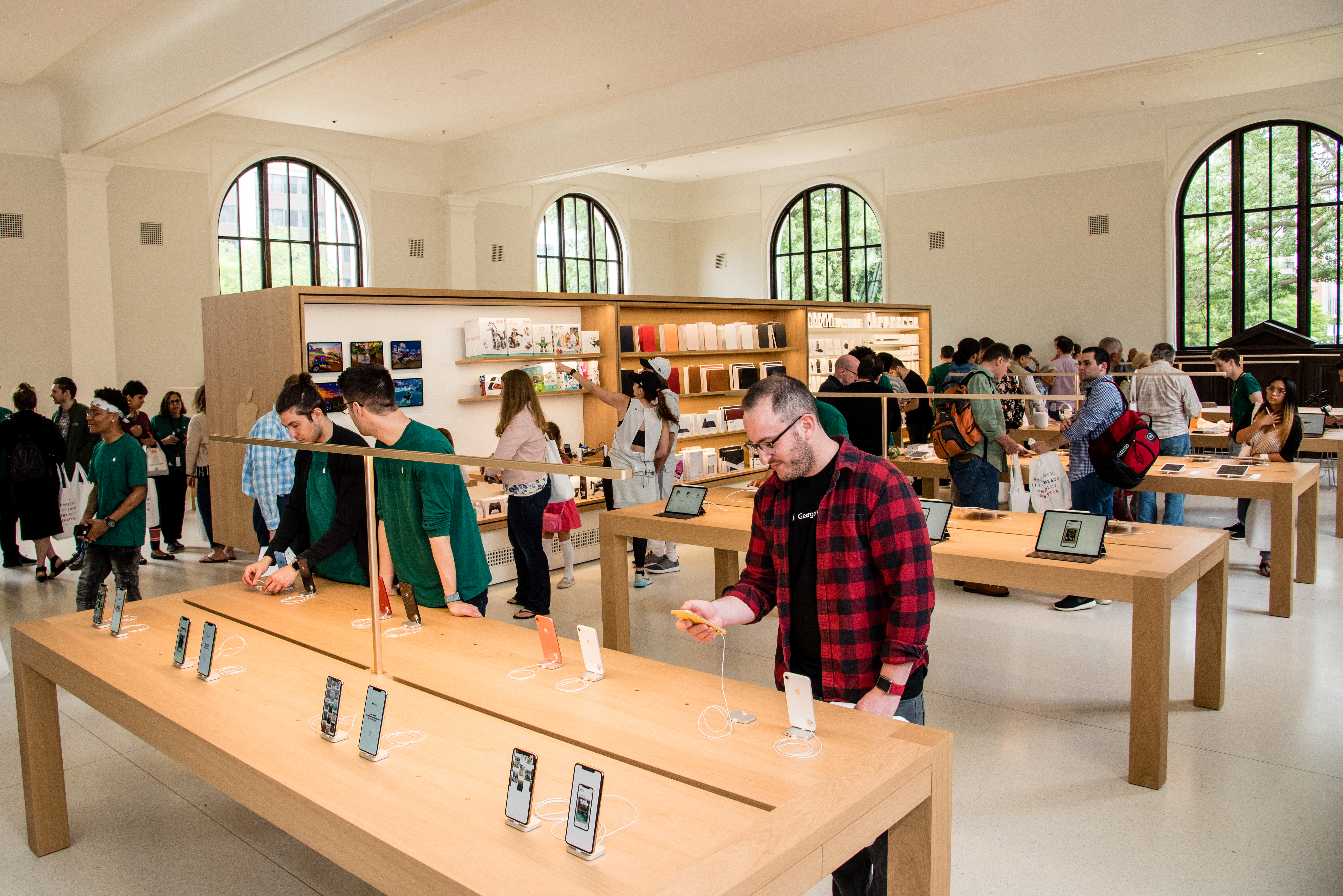 Apple Store at Carnegie Library